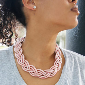 J1914_Braided_NecklaceSet_Pink_model