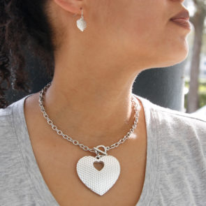 J1917_Heart_NecklaceSet_Silver_model